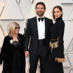 Julia Roberts Gives Bradley Cooper's Mom a Shout-Out at the 2019 Oscars