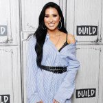 """Beauty Influencer Jaclyn Hill Returns to YouTube and Says She's Completely """"Embarrassed"""" Over Failed Cosmetics Launch"""