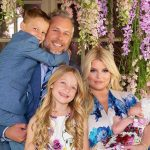 Jessica Simpson's Husband Quit Drinking in Solidarity With Her